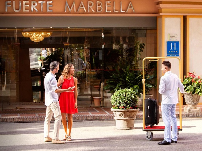 Stepping out of reception into the sunshine ©Booking.com / Hotel Fuerte Marbella