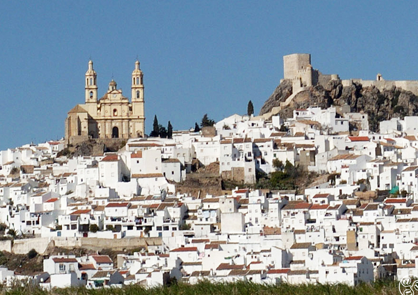 The magical hilltop town of Olvera © Michelle Chaplow