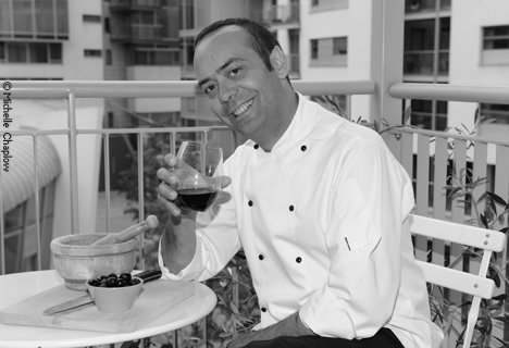 Jose Pizarro at home on the balcony of his London apartment © Michelle Chaplow