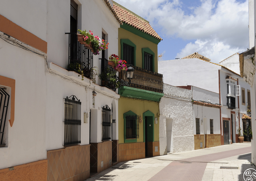The quaint streets of Los Barrios © Michelle Chaplow