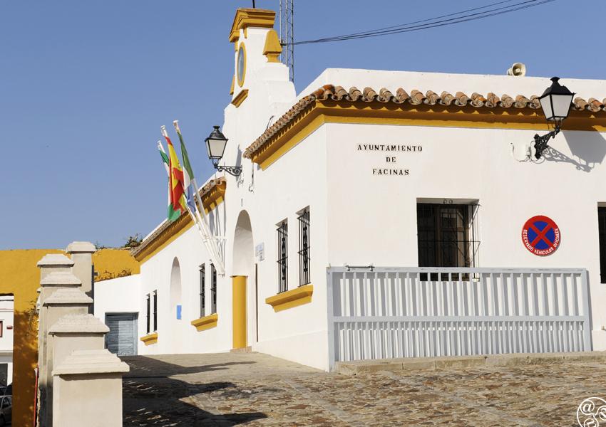 The Ayuntamiento (town hall) of Facinas © Michelle Chaplow