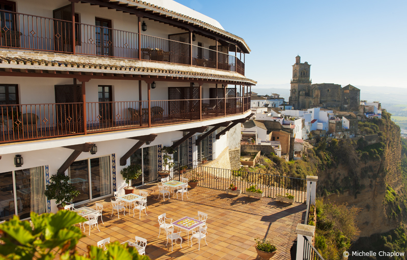 The Arcos Parador hotel and the church of San Pedro © Michelle Chaplow