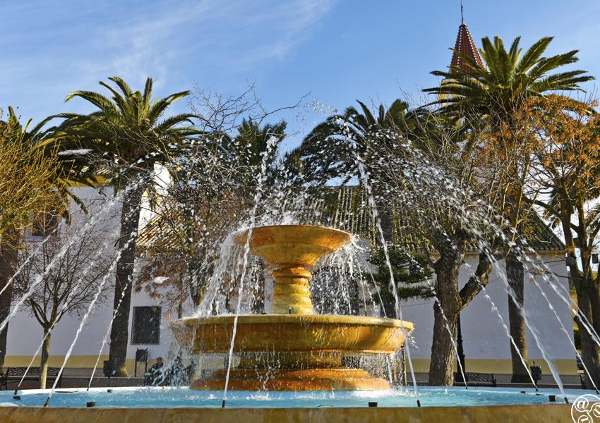 Plaza de Andalucía - Sierra de Yeguas © Michelle Chaplow