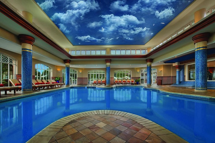 Magnificent indoor pool © Booking.com / Marriott's Playa Andaluza