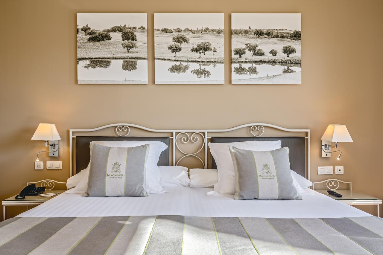 Comfy, spacious rooms at the Barcelo © Booking.com   Barcelo Jerez Montecastillo