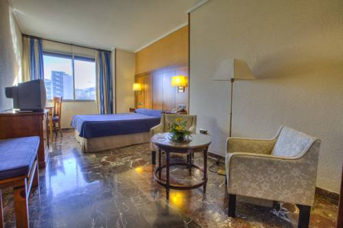 Centrally located three-star hotel with excellent entertainment facilities © booking.com