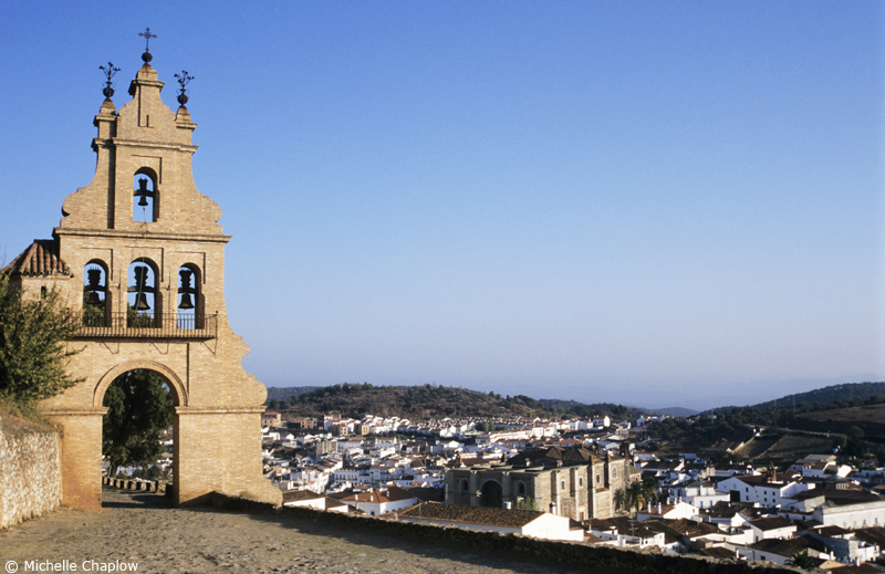 Aracena, the very heart of the Parque Natural Sierra de Aracena y Picos de Aroche. ©Michelle Chaplow