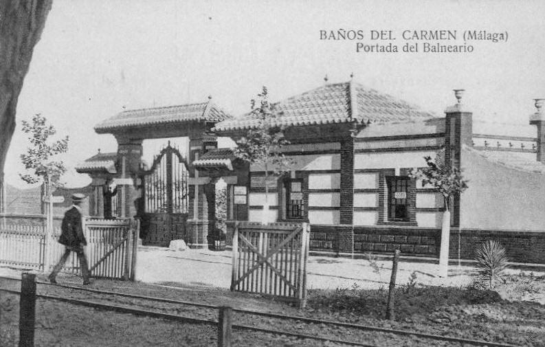Postcard photo of the entrance to Baños de Carmen which still stands today.