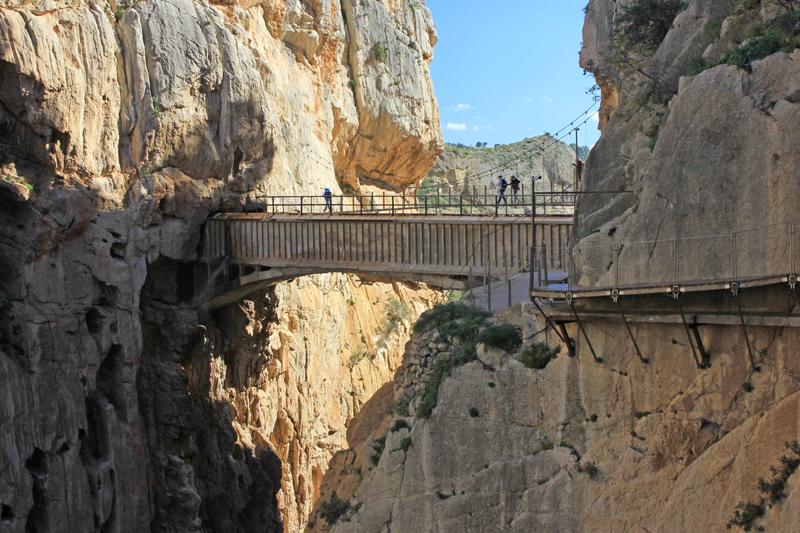 Visitors crossing the Hanging Bridge ©Kevin George Monterrubio