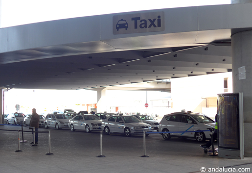 Taxi rank at Malaga Airport. © andalucia.com