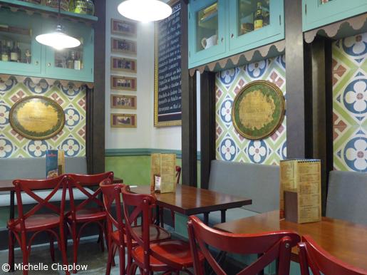 Tapas restaurant in Seville. © Michelle Chaplow