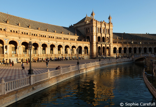 Plaza de Espana is a vast and beautiful work of architecture. © Sophie Carefull