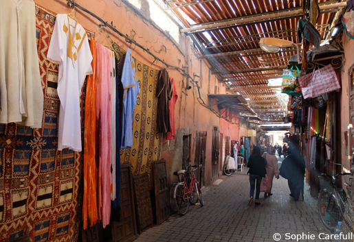 Get lost in the souks on a day trip to Morocco from Tarifa. © Sophie Carefull