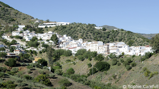 The white village of Totalan in Malaga province. © Sophie Carefull