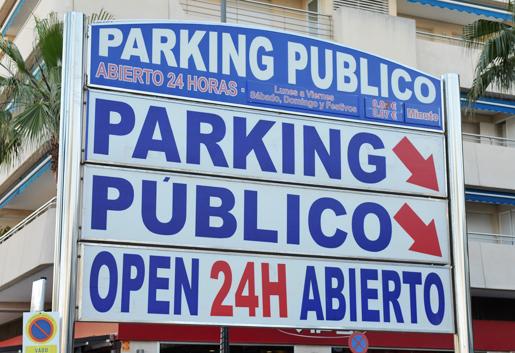 Car park in Marbella. © Sophie Carefull
