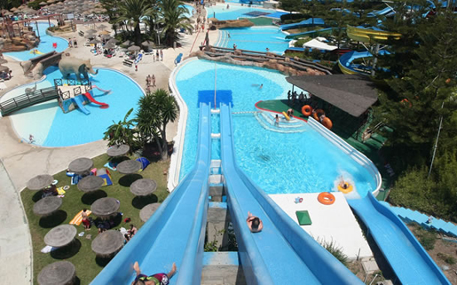 Kamikaze slides make for great races. © Parque Acuatico Mijas