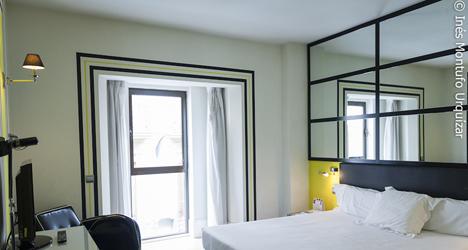 © Ines Montufo Urquizar Habitación tipo estándar del Room Mate Lola.