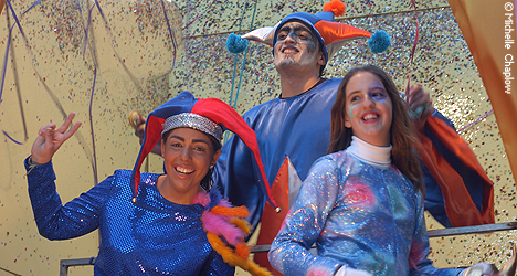 © Michelle Chaplow Street parades, Cadiz Carnival