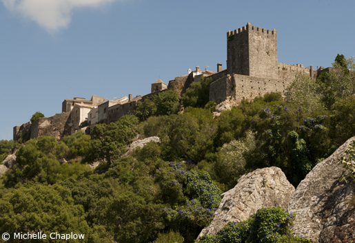 The old village of Castellar de la Frontera is perched high on a hilltop. © Michelle Chaplow