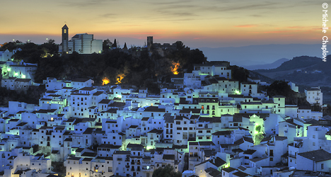 The lovely evening light in Casares makes for a pleasant stroll.  © Michelle Chaplow .