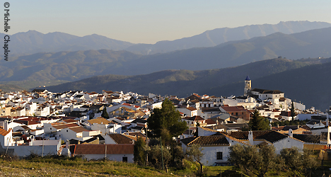 © Michelle Chaplow The beautiful white village of Yunquera