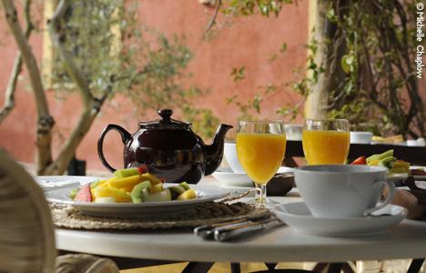 © Michelle Chaplow Freshly squeezed orange juice and Earl Gray tea for breakfast at Hacienda de San Rafael, near Seville