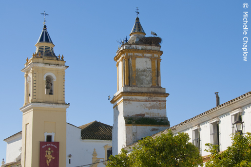 The church of Santa Maria Magdalena and the Molino de Sir&eae; © Michelle Chaplow