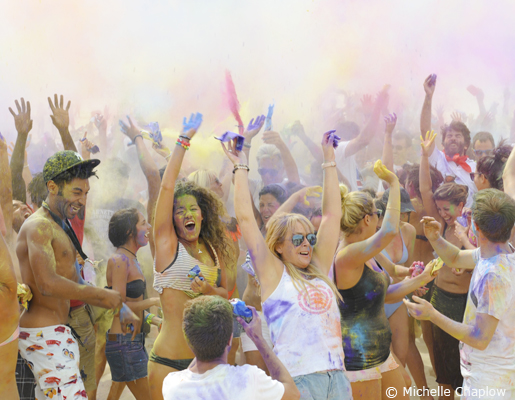 The perfect fun festival, go color yourself :) © Michelle Chaplow .