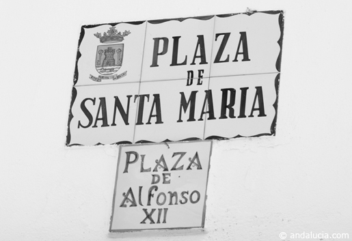 Just to make life interesting, this Plaza has three names. © Michelle Chaplow