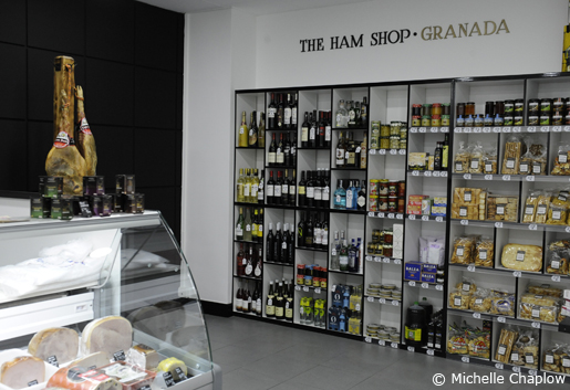 If you get hungry while shopping for souvenirs, pay a visit to the Ham Shop! © Sophie Carefull