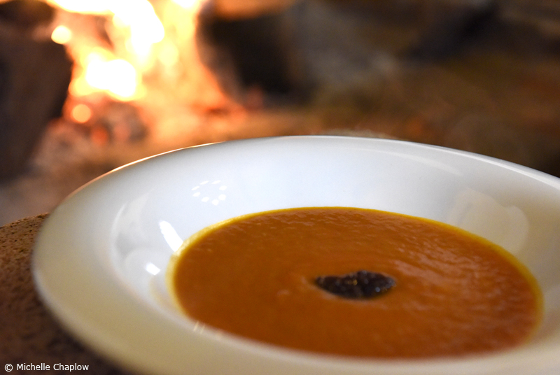Tomato soup with a secret selection of spices, garnished with fresh figs from the Sierra de Aracena ©Michelle Chaplow