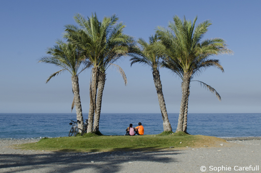 Enjoying the sea view after a morning cycle in La Herradura.  © Sophie Carefull