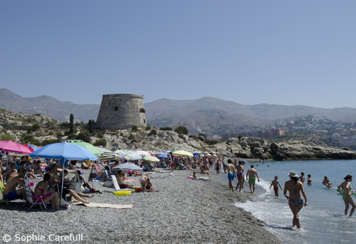 Playa del Tesorillo is the section of Playa de Velilla beneath the old watchtower. © Sophie Carefull