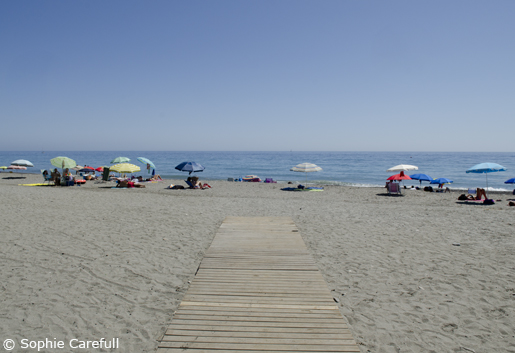 Playa Granada has a mixture of sand and small pebbles. © Sophie Carefull