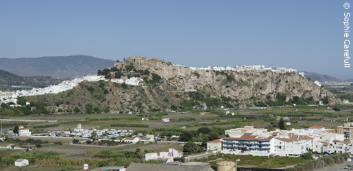 Salobreña, with its moorish castle, sits on a hill above sugar plantations. © Sophie Carefull
