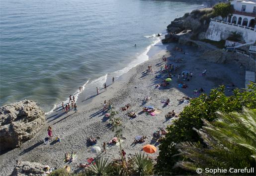 Playa Caletilla is just below the Balcon de Europa on the west side. © Sophie Carefull