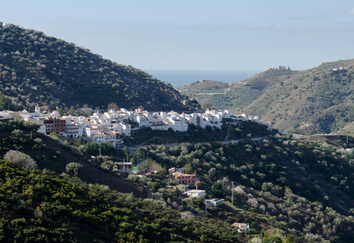 The white village of Sayalonga set in the hills of La Axarquia. © Sophie Carefull