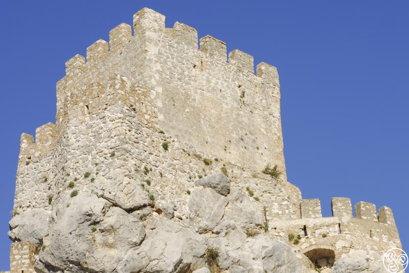 El castillo árabe corona el paisaje de Zuheros ©Michelle Chaplow