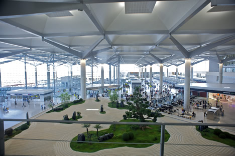 © AENA Indoor garden of the new T3 terminal of Malaga Airport.