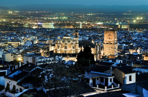 Granada Evening Walking Tour with Tapas