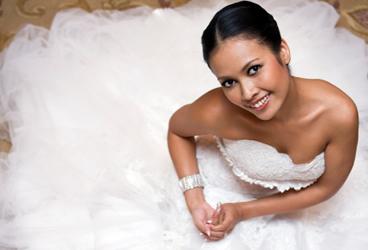 © iStock Wedding dress