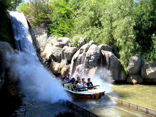 Make a splash at Isla Magica, Seville. © Isla Magica