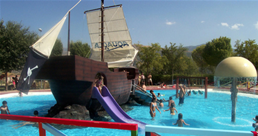 Pirate ship for the kids at Aquaola. © Aquaola