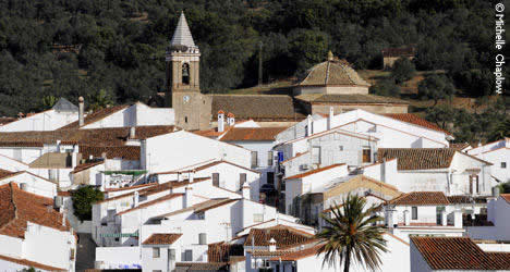 The village of Higuera de la Sierra and the church of San Sebastian © Michelle Chaplow