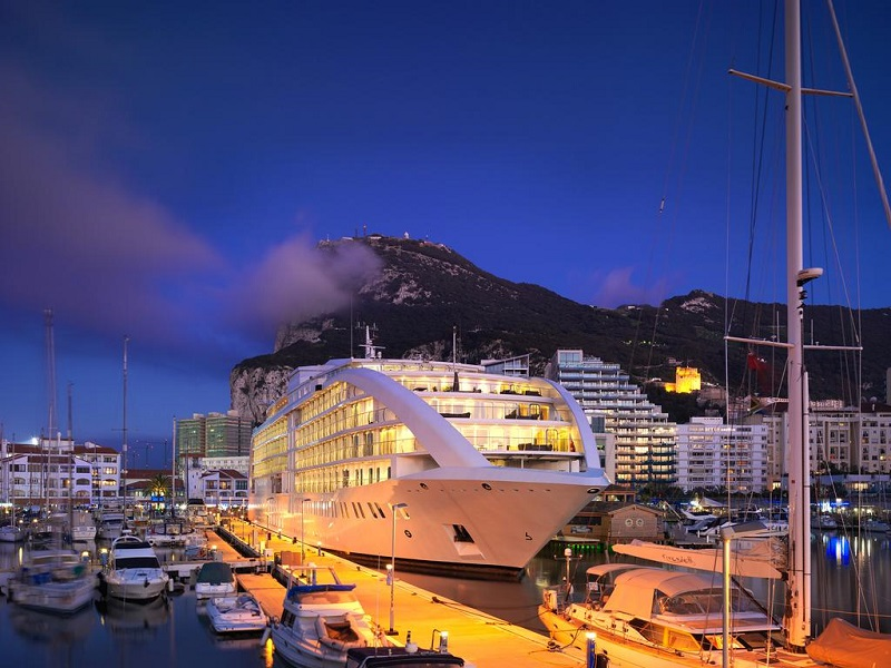 Evening light on the Sunborn Gibraltar © Booking.com / Sunborn Gibraltar