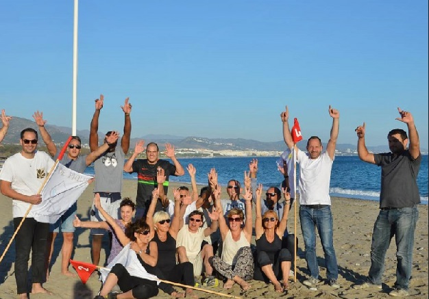 Team Building on the beach © Experience Box Spain